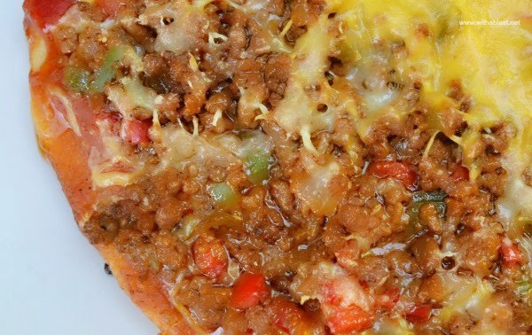 Pizza Bolognaise is perfect for lunch or as a light dinner.  Change up your Pizza topping and surprise your family with this easy, delicious Pizza recipe !