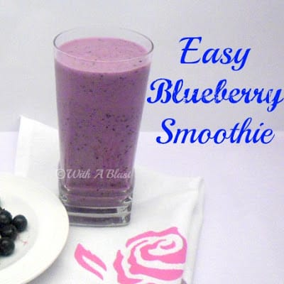 Easy Blueberry Smoothie ~ Thick, healthy and delicious Blueberry Smoothie ! #BlueberryRecipe #Smoothies