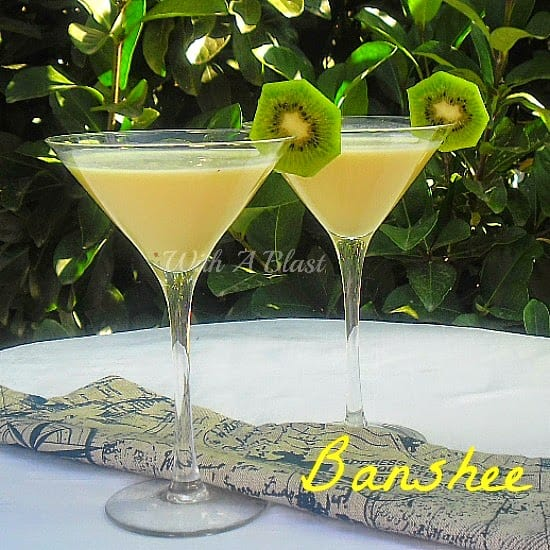Banshee ~ Creamy Banana Cocktail with a kick ! #Cocktails #AlcoholicDrink