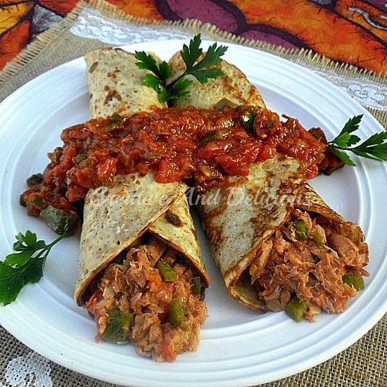Tuna Herb Pancakes ~ Wholewheat Pancakes with a delicious Tuna filling ! #WholewheatPancakes #FilledPancakes #TunaRecipe