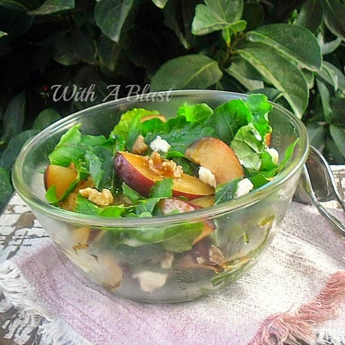 Plum Arugula and Walnut Salad ~ Delicious combination of sweet Plums, Arugula and crunchy Walnuts #Salad #PlumSalad
