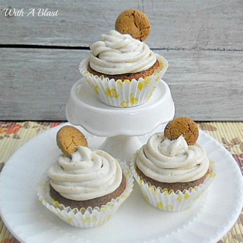 Ginger Bread Cupcakes with Cinnamon Cream Cheese Frosting ~ Delicious Fall flavors in this Ginger Bread Cupcake {2 methods of baking supplied!} the Frosting is to die for ! #Cupcakes #GingerBread #FrostingRecipe www.WithABlast.net