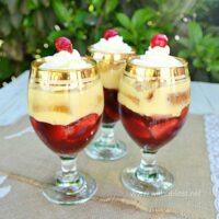 Strawberry Liqueur Trifles