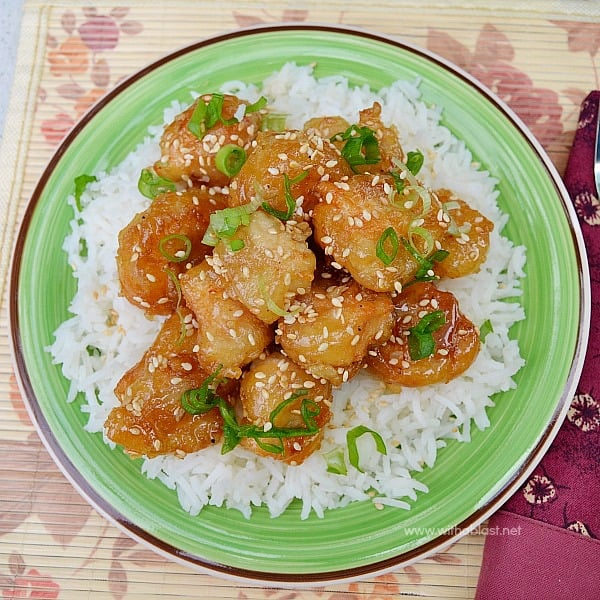 Honey Garlic Chicken ~ This Honey Garlic Chicken dish is SO much better & tastier than from any restaurant and makes a perfect, quick dinner