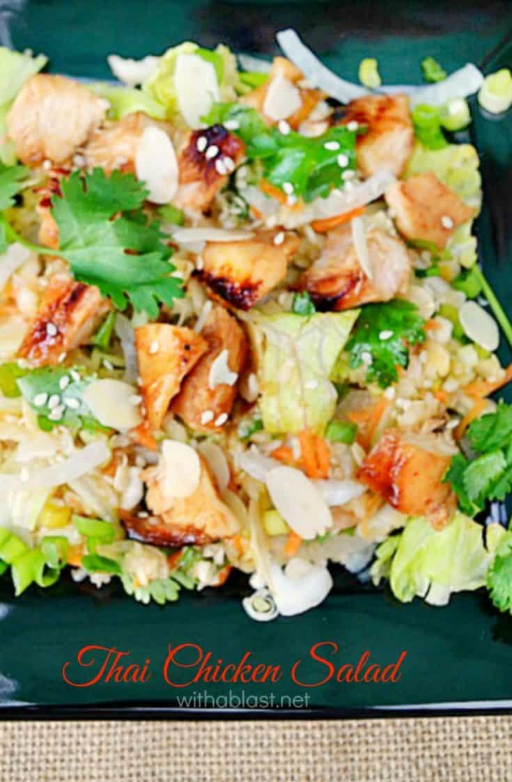 Quick lunch or light dinner ? This Thai Chicken Salad is perfect and you can do all the prepping in advance ! Very filling and packed with vegetables #ChickenSalad #ThaiChicken #MakeAheadSalad