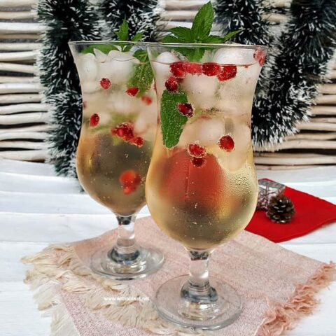 Mint And Pomegranate Apple Sipper