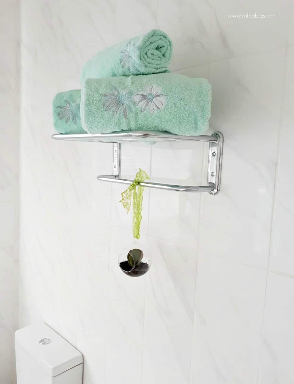Bathroom Makeover [extra towel rack]